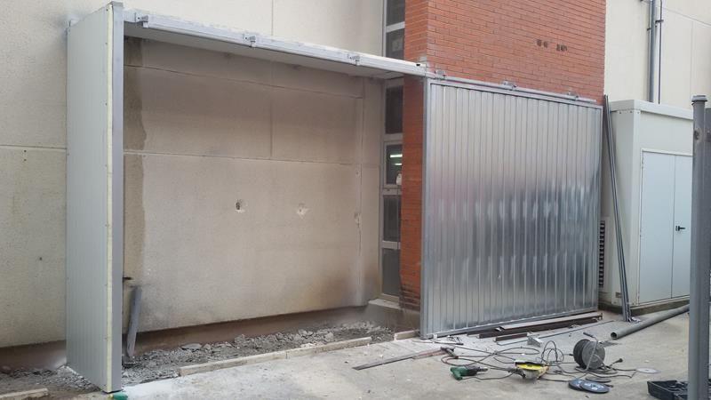 Cerramiento y huecos puertas instalacion de puertas rapidas enrollables puertas corredera - Instalacion puerta corredera ...